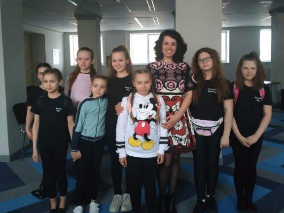 Наш преподаватель Мария Сенькина была приглашена на международный конкурс в качестве члена жюри.